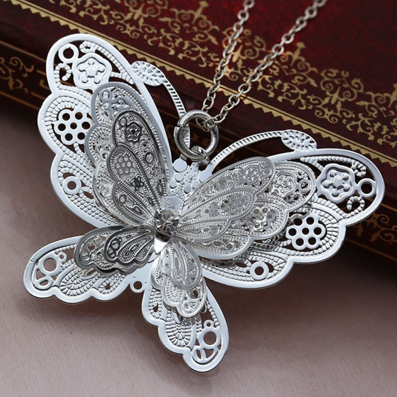 Jewelry - Necklace with 3D large butterfly pendant NWOT